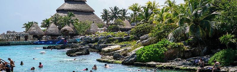 Xcaret: Destino turístico de la Riviera Maya.